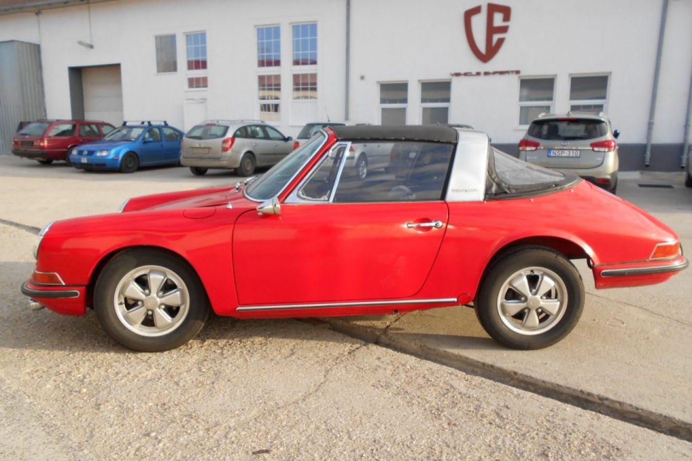 Roter Porsche 911S Softwindow Targa