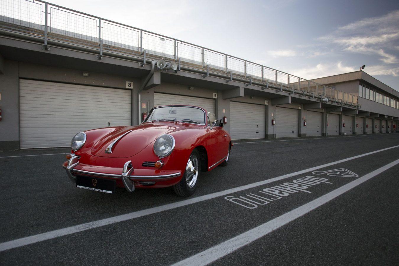 Kardinalroter Porsche 356B Super 90 Cabriolet