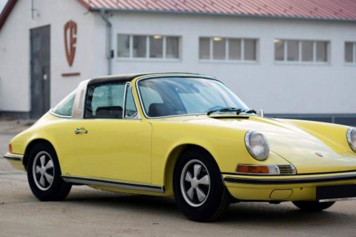 Lichtgelber Porsche 911T Targa von Vehicle Experts
