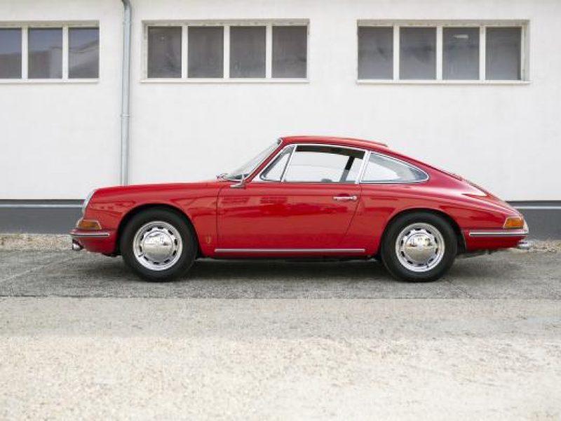 Signalroter Porsche 911