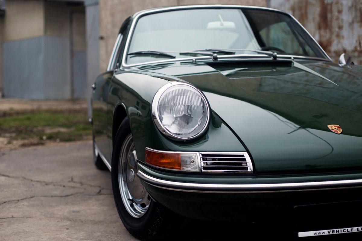 Grüner Porsche 911 SWB von vorne