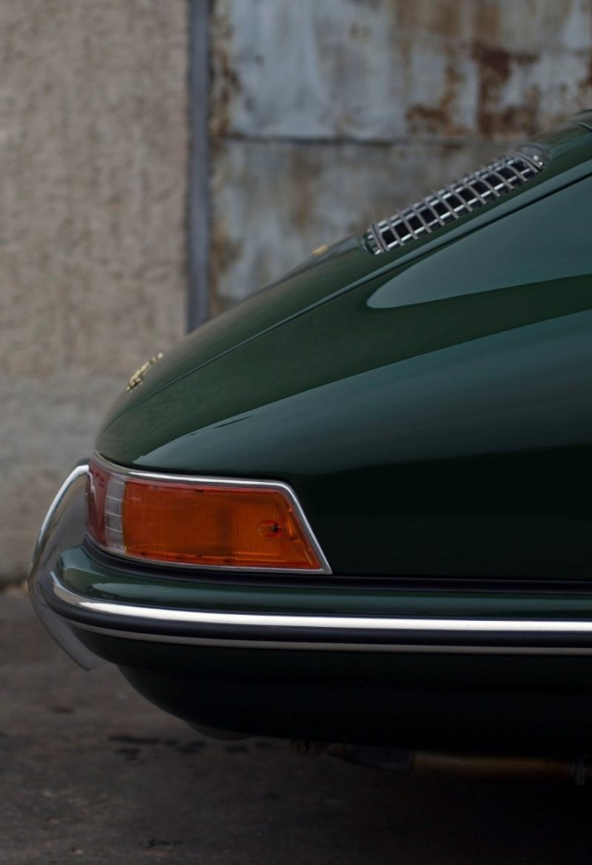 Grüner Porsche 911 SWB hinten