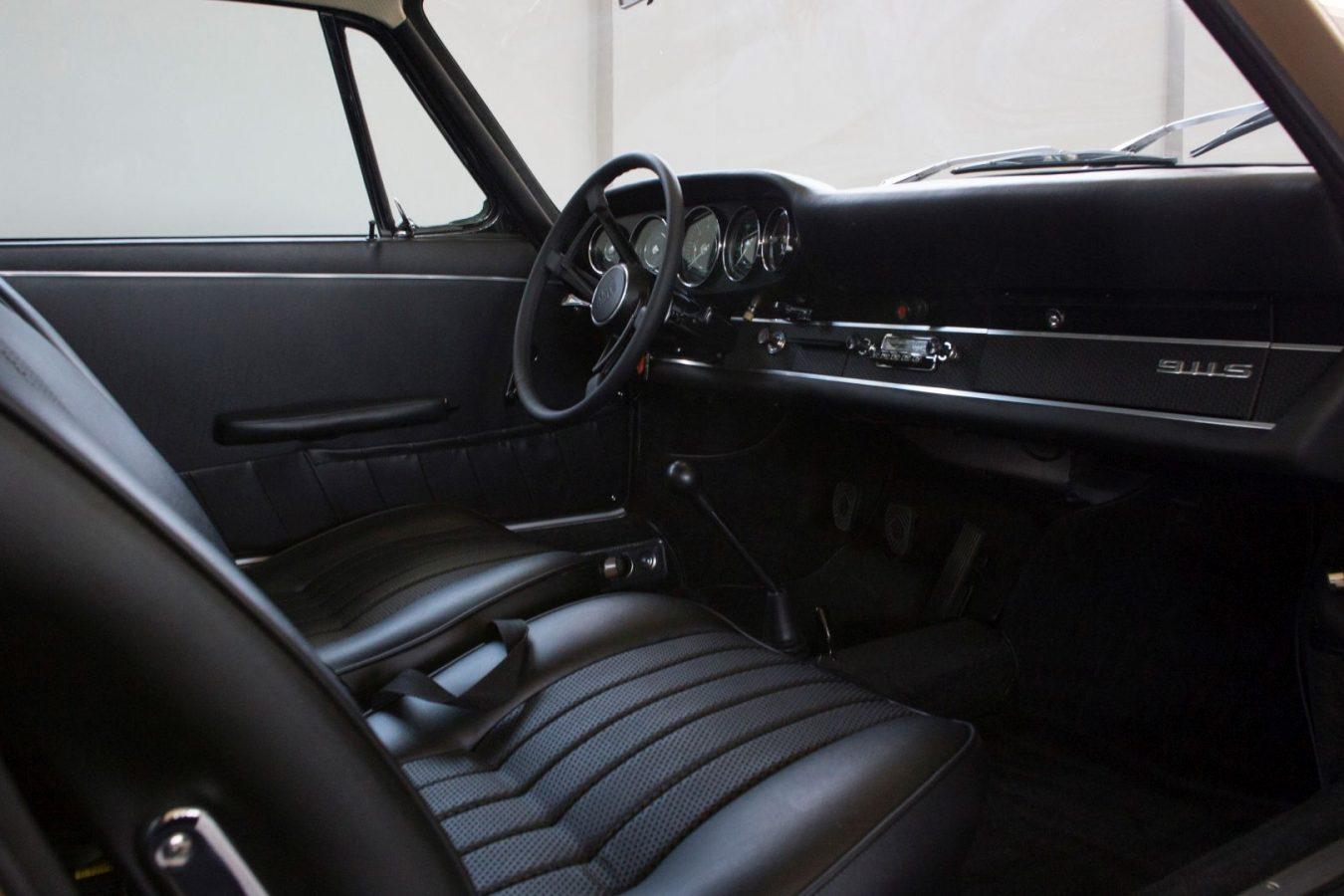 Innenraum eines Porsche 911S SWB