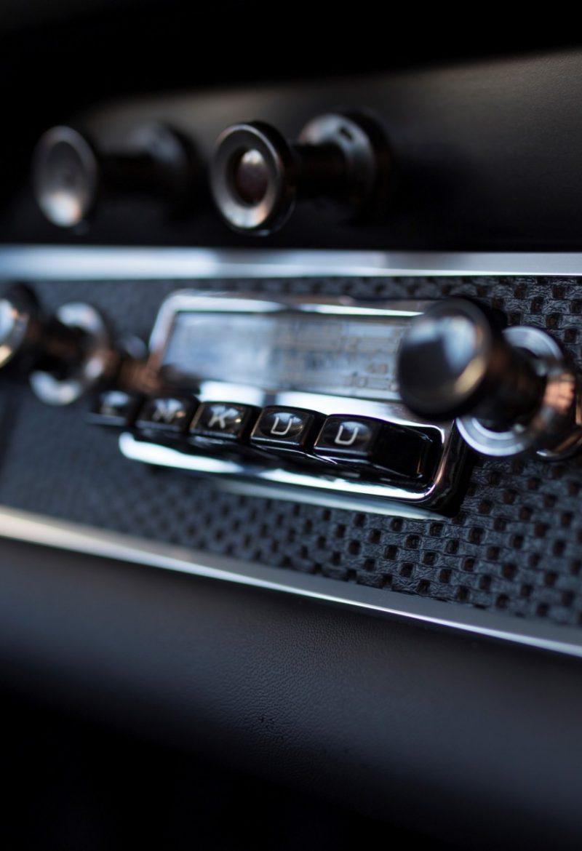 Radio eines Porsche 911S SWB