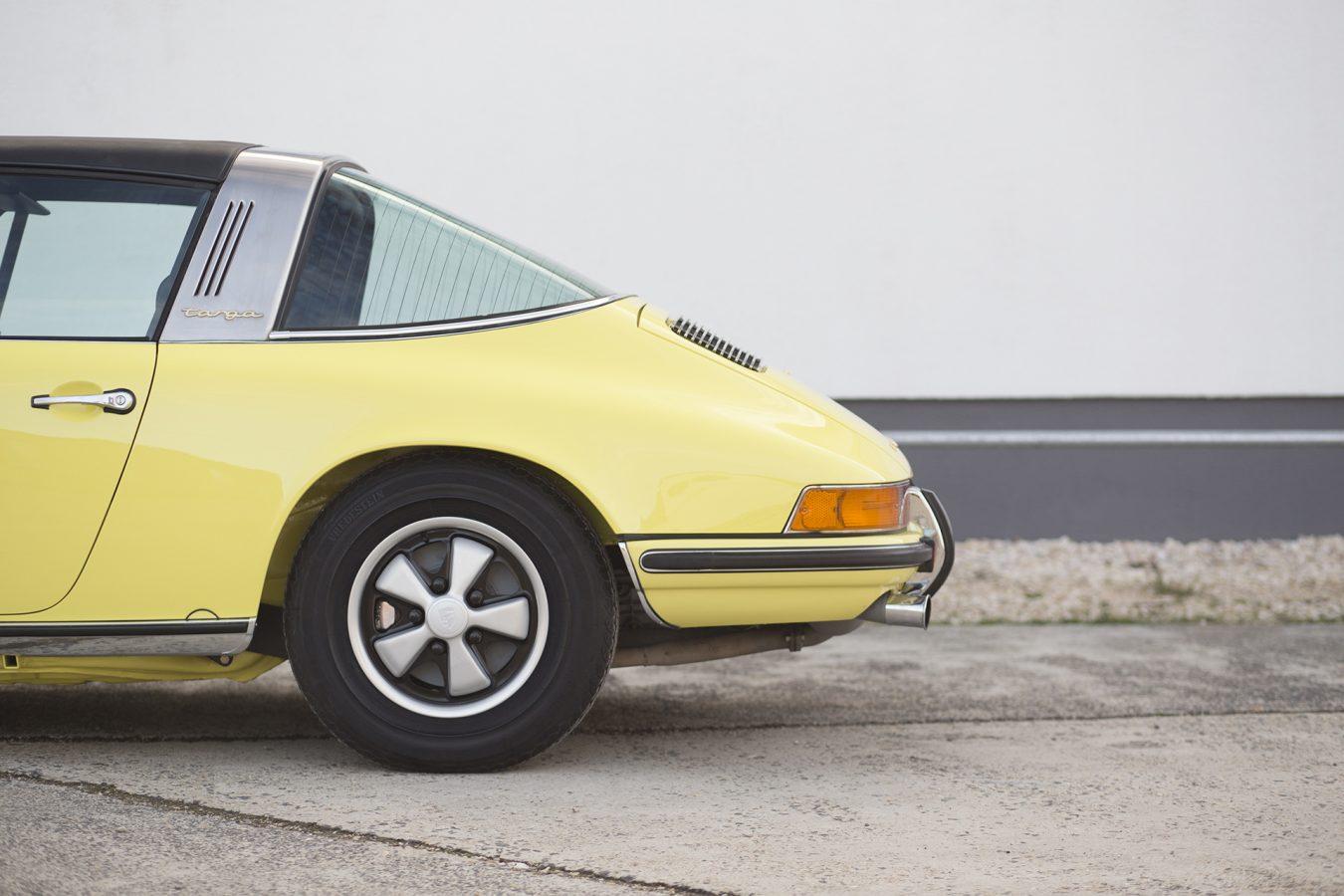 Lichtgelber Porsche 911T Targa