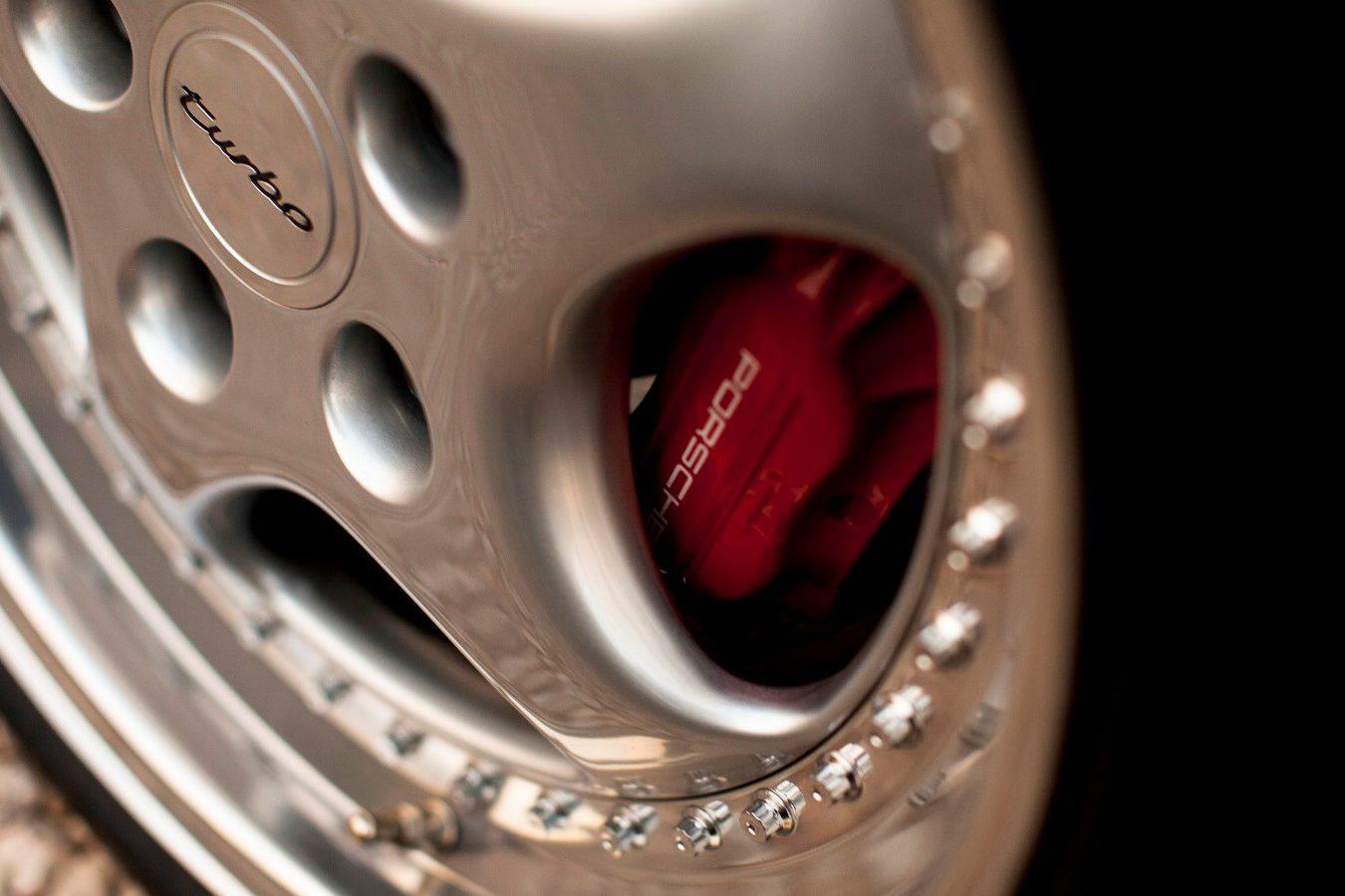 Porsche 964 3,6 Turbo Bremssattel