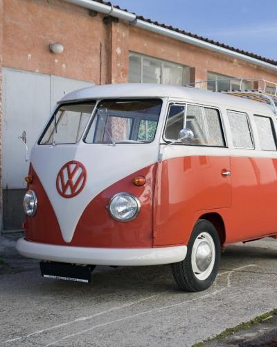 Volkswagen T1 Samba auf dem Gelände