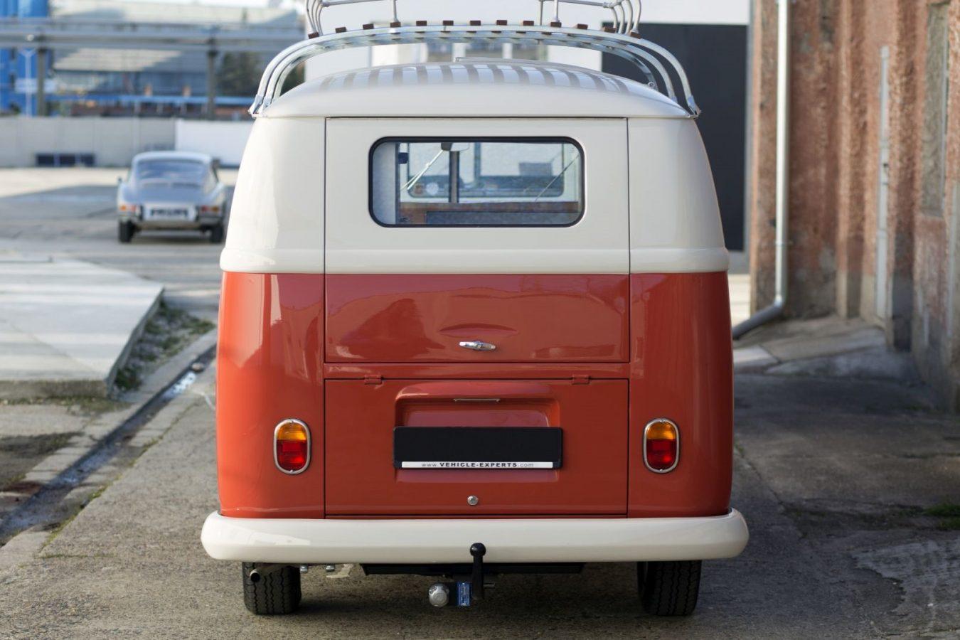 Volkswagen T1 Samba von hinten