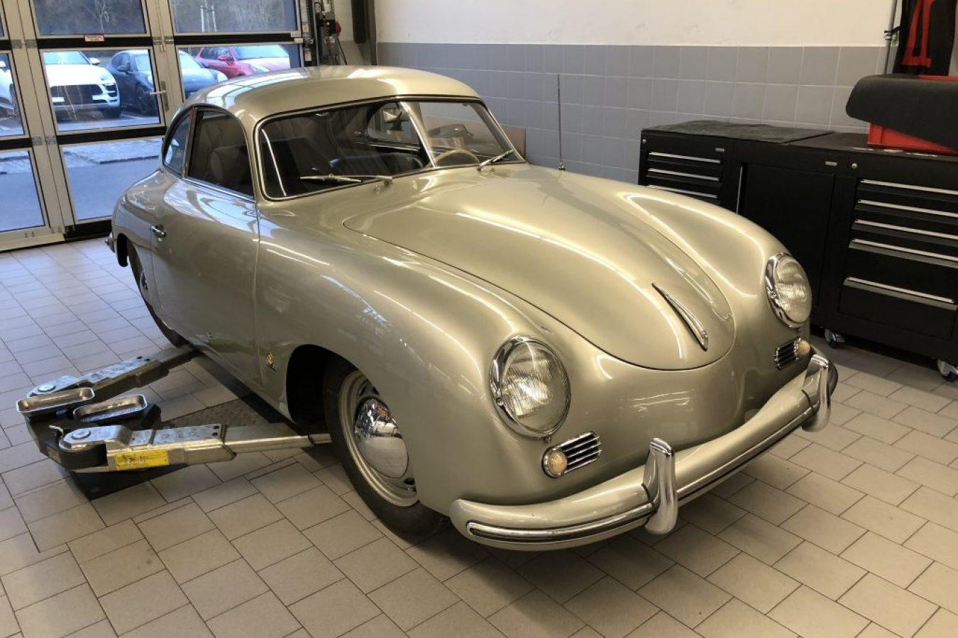 Porsche 356 in silbergrau