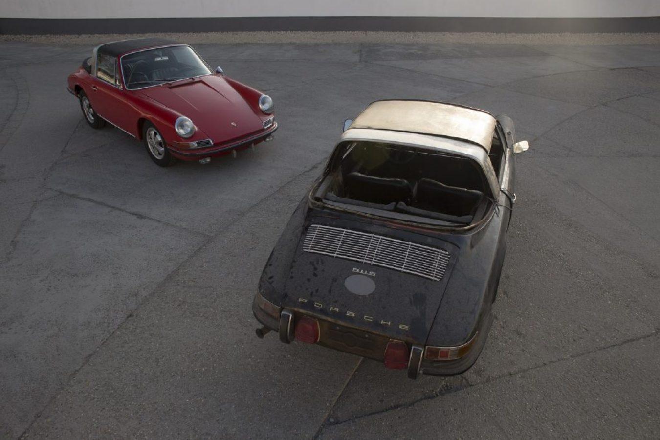 Zwei Porsche 911S Softwindow Targa auf einem Platz