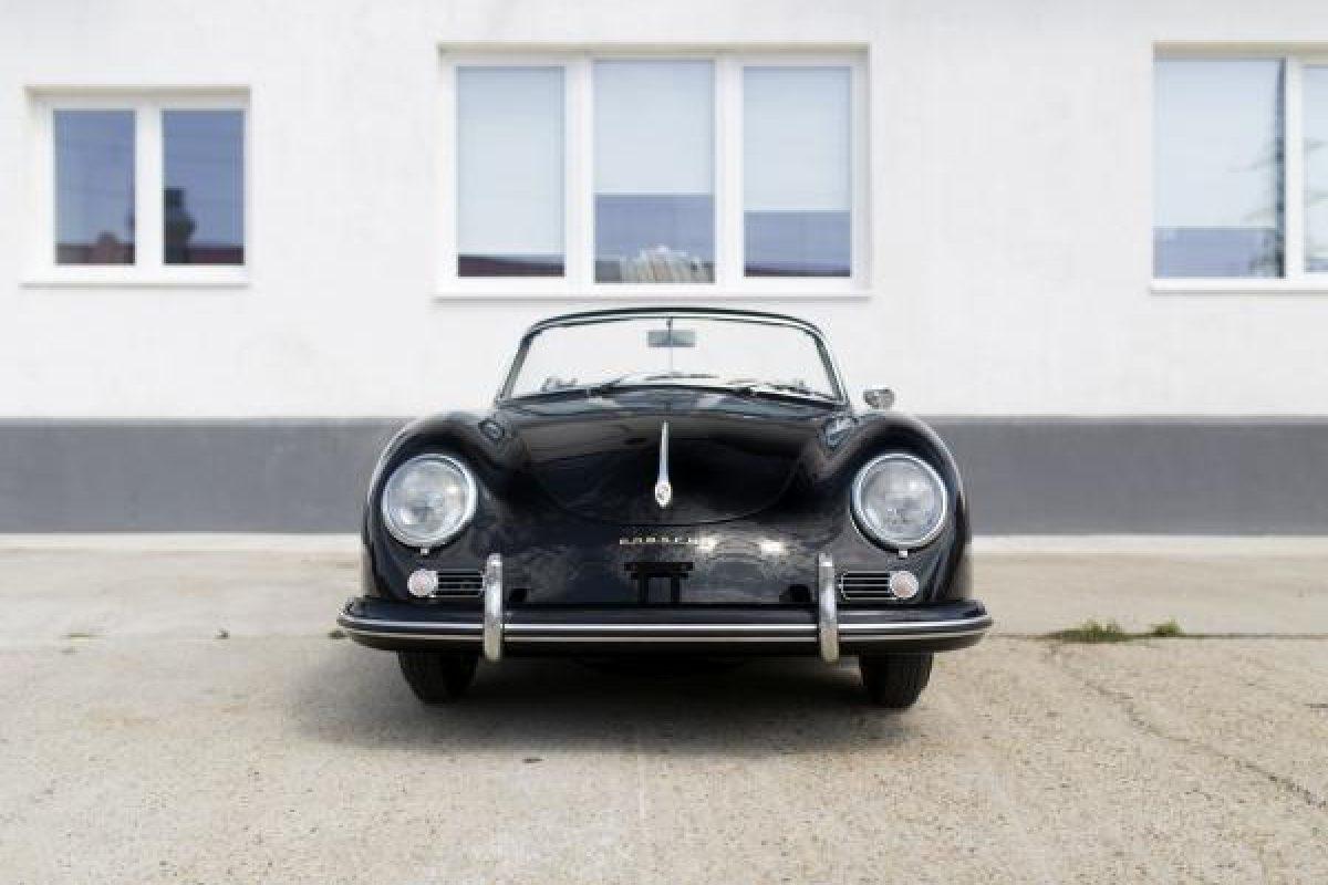 Schwarzer Porsche 356A Cabriolet ohne Dach