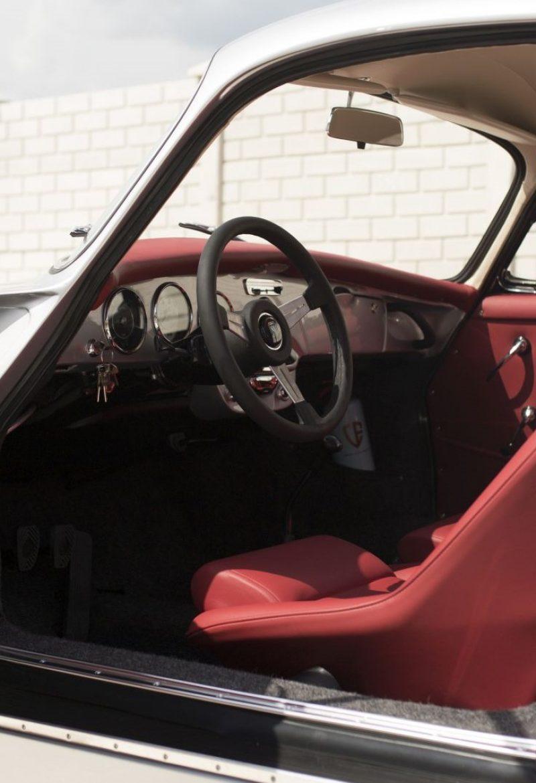Zweifarbiger Porsche 356 Innenraum