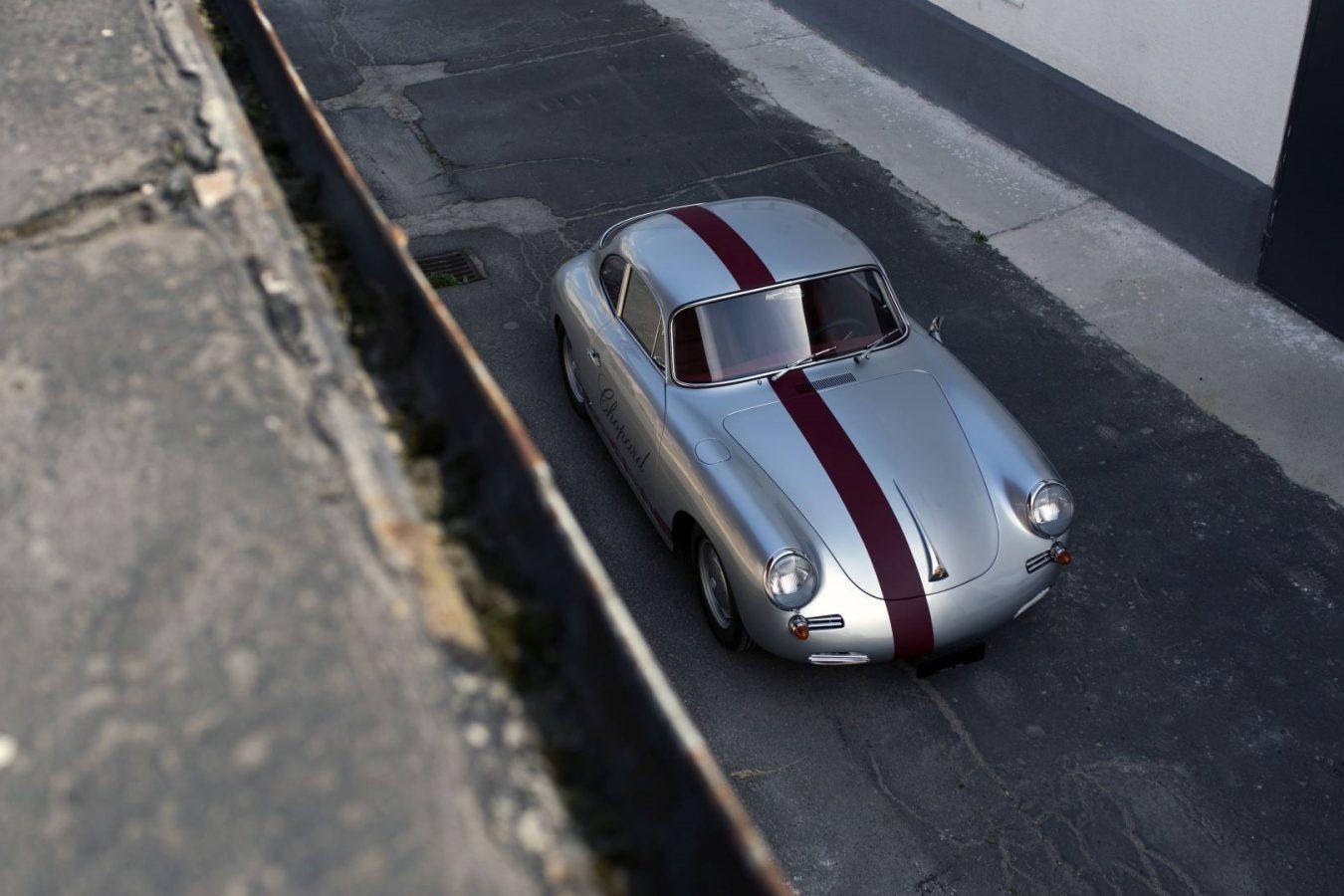 Zweifarbiger Porsche 356 von oben