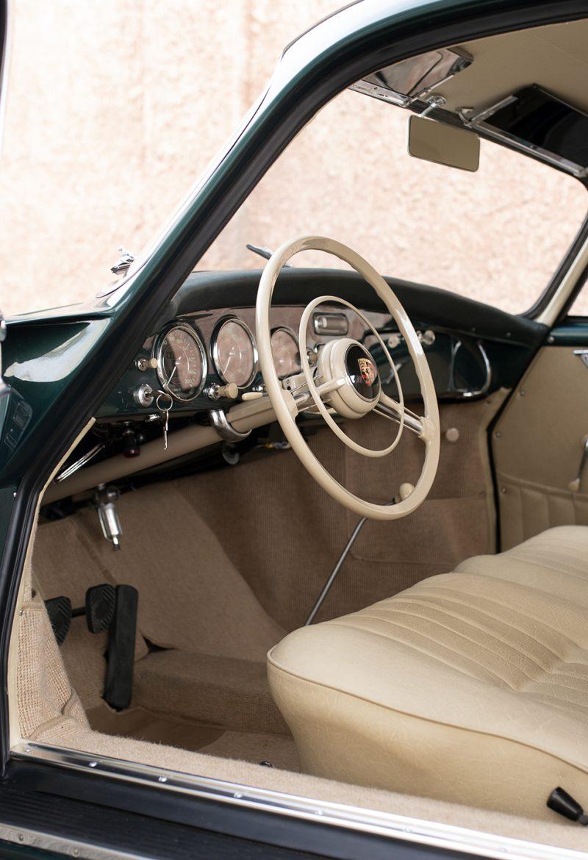 Lagogrüner Porsche 356 Innenraum