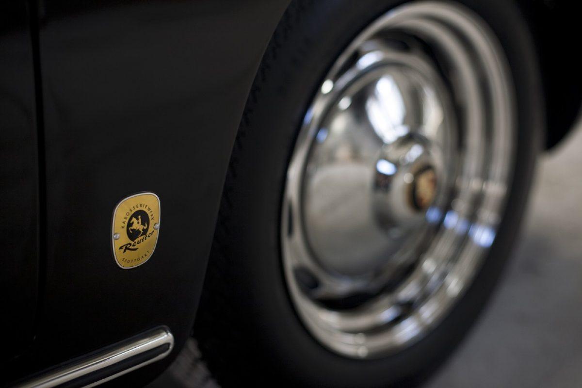 Porsche 356 BT6 Cabrio in Schwarz Reifen