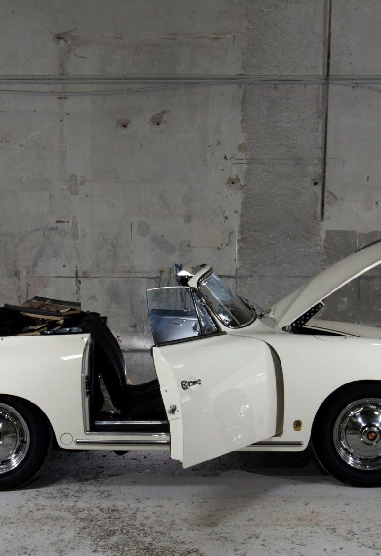 Porsche 356 BT6 Cabrio in Weiß mit offenen Türen