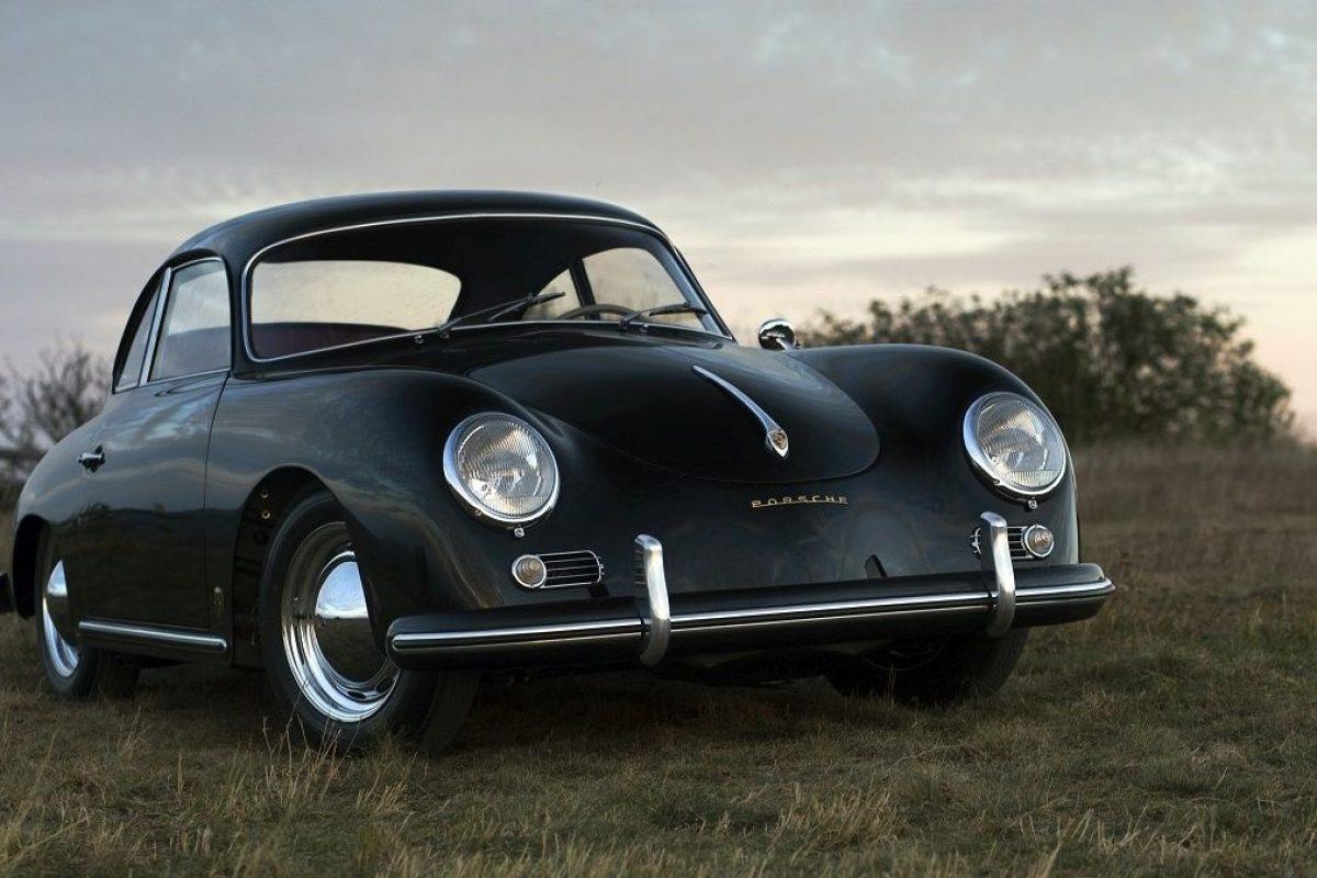 Schwarzer Porsche 356A von vorne