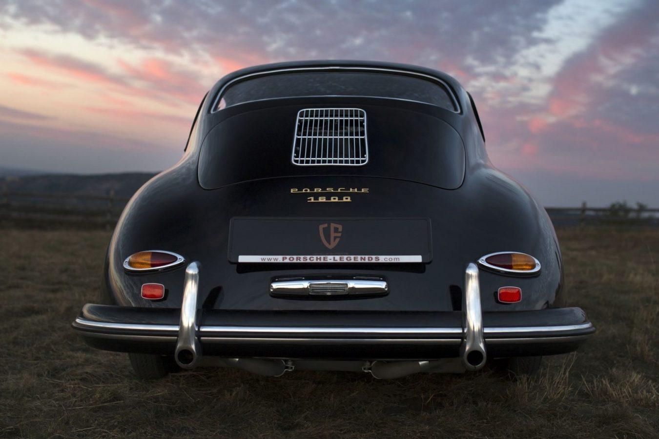 Schwarzer Porsche 356A von hinten