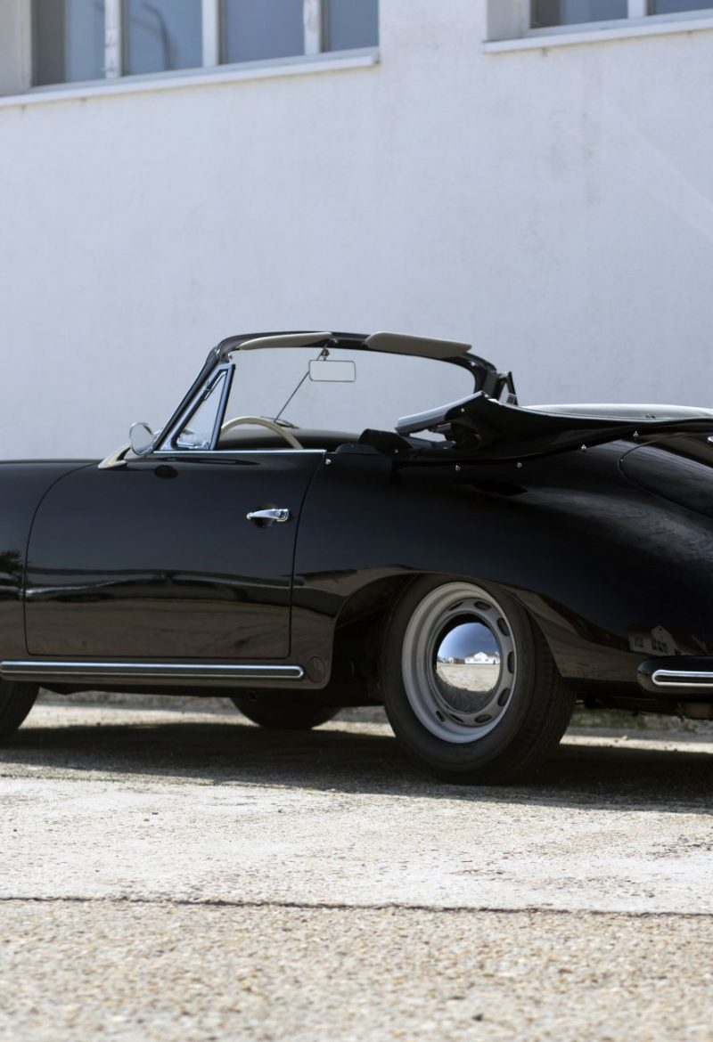 Schwarzer Porsche 356A Cabriolet von Vehicle Experts