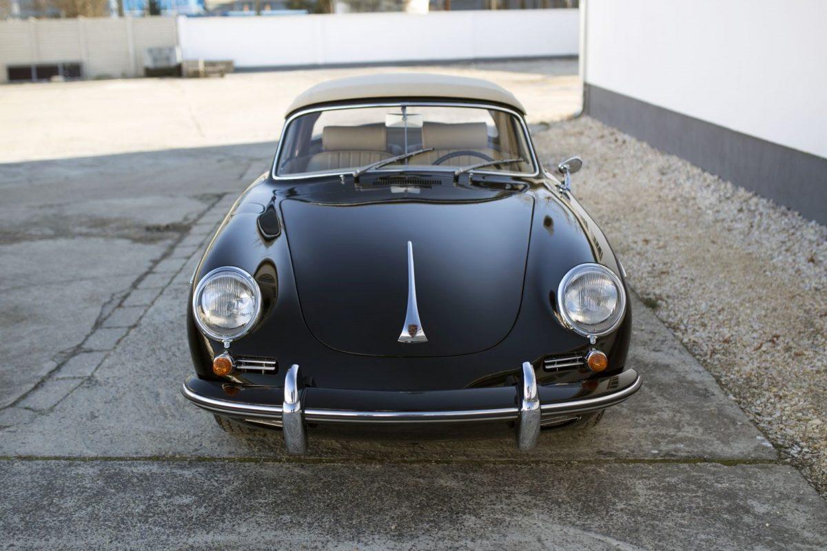 Porsche 356B Cabrio in Schwarz von vorne