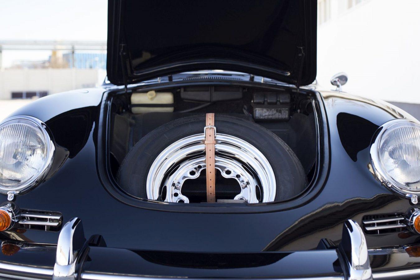 Reservereifen eines Porsche 356B Cabrio