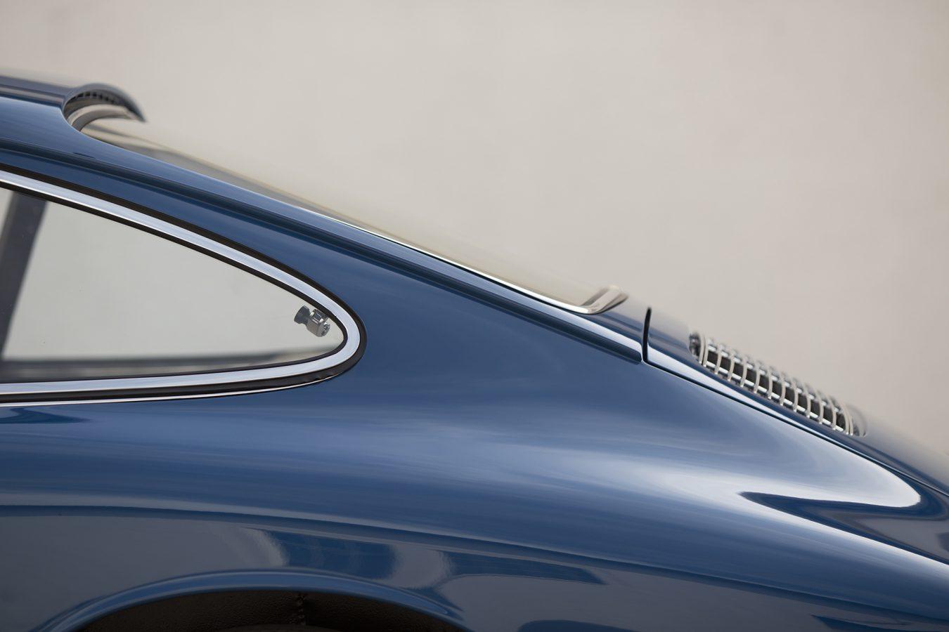 Metallic Blauer Porsche 911