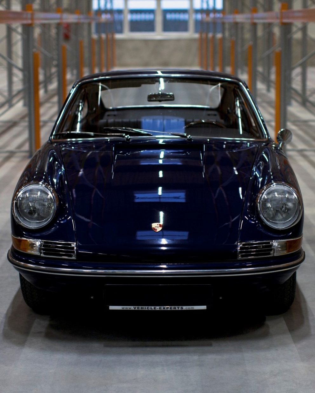 Porsche 911 SWB in Baliblau von vorne