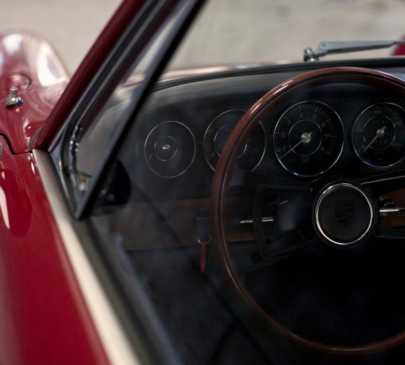Porsche 911 SWB in Rot Lenkrad