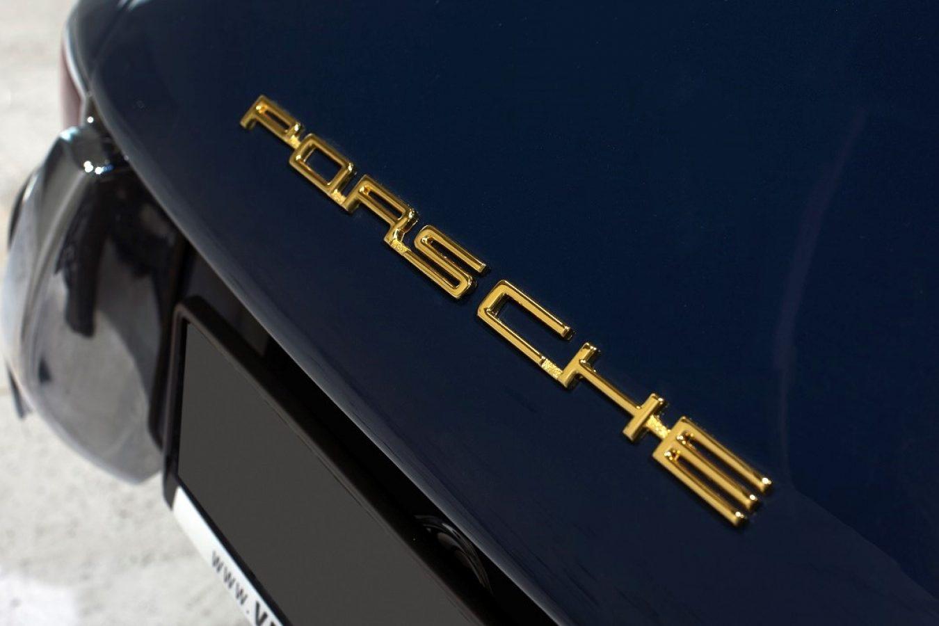 Porsche Schriftzug