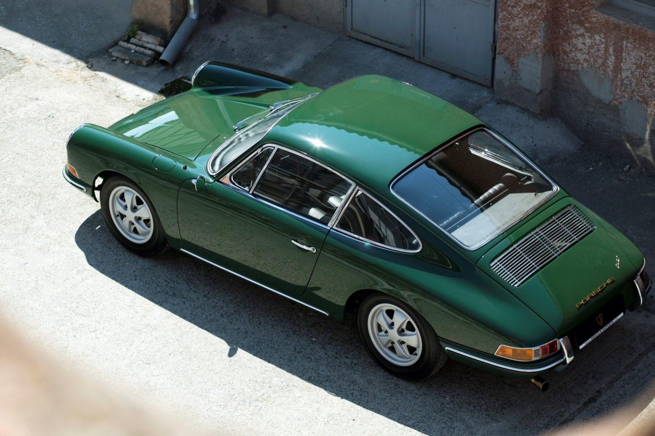 Porsche 911 SWB in Grün von oben