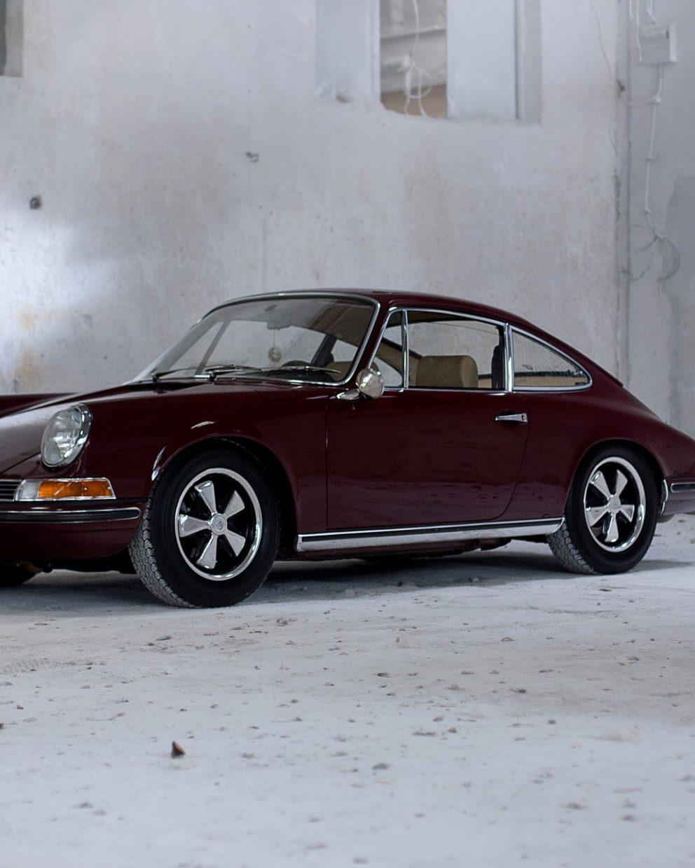 Porsche 911E in Rot