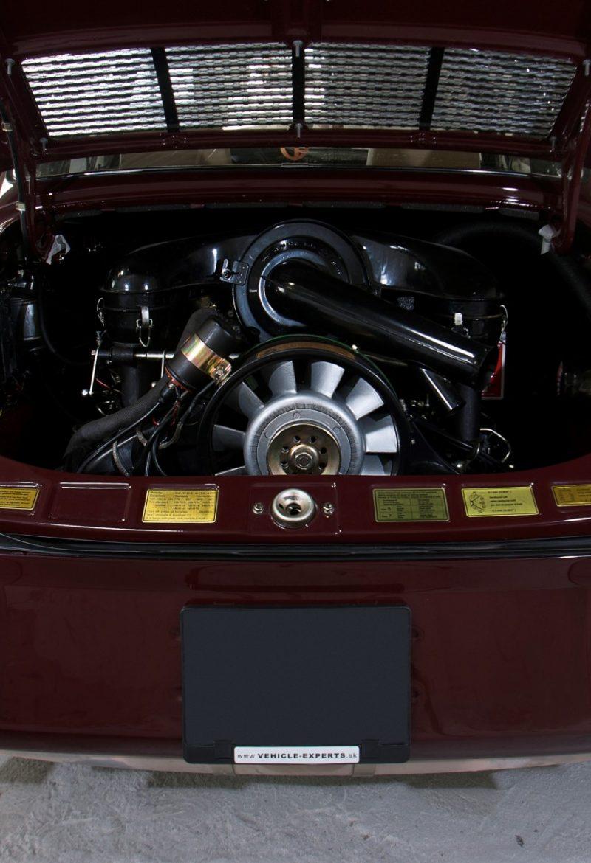 Porsche 911E in Rot Motor