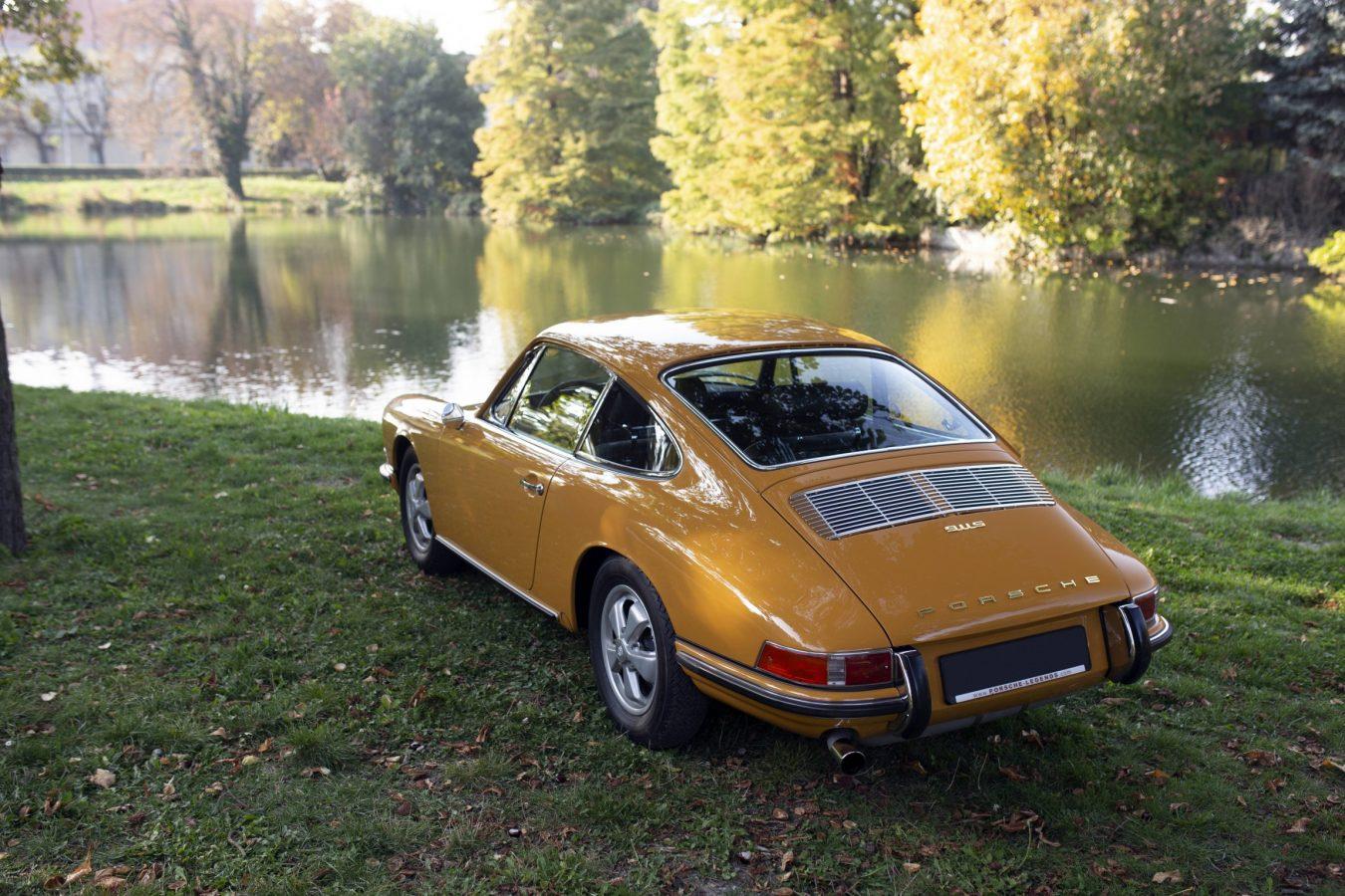Porsche 911S 12