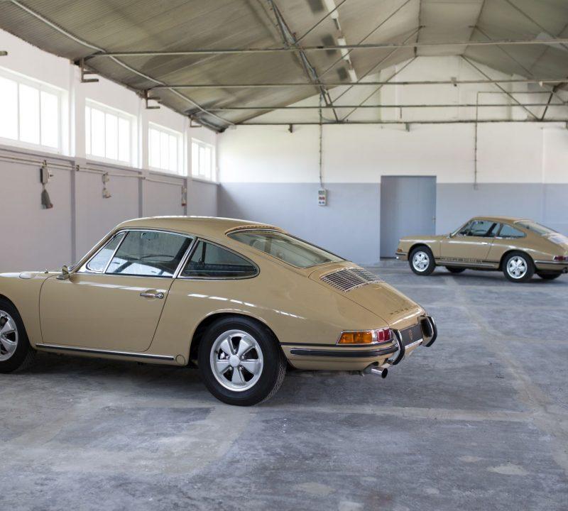Zwei Sandfarbene Porsche 911S SWB