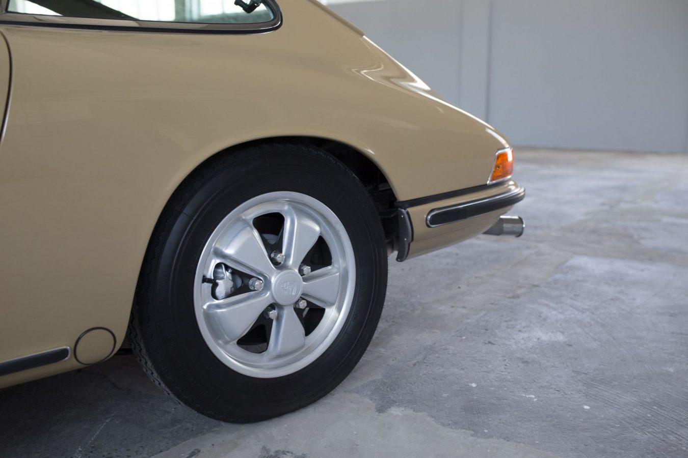 Reifen eines Porsche 911S SWB