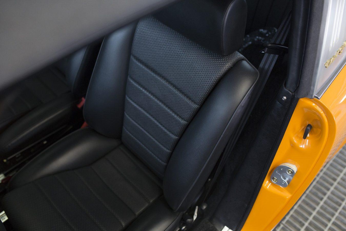 Porsche 911S Targa 6