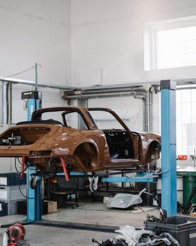 Porsche 911S Targa Karosserie während Restaurierung