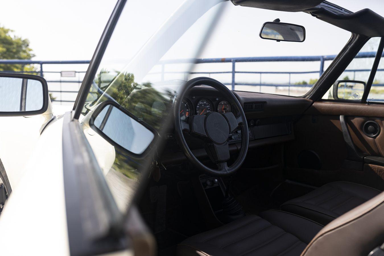 Chiffon Weisser Porsche 1