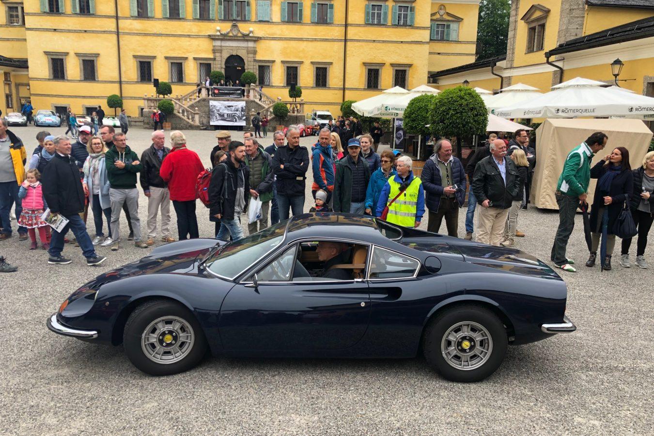 Fiat Dino im Schloss Hellbrunn