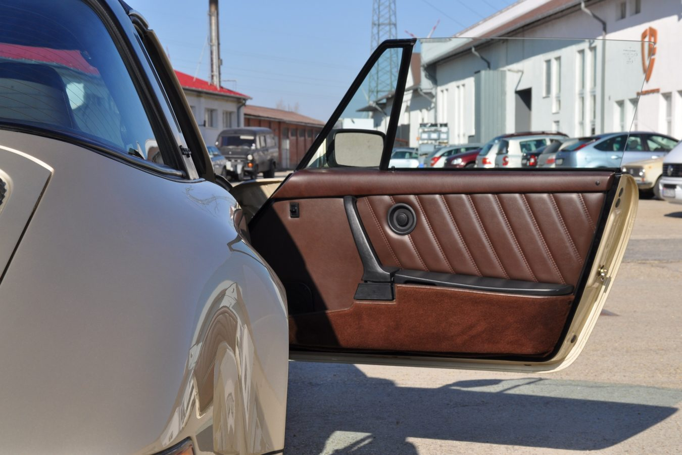 Hellbronze Metallic Porsche 9