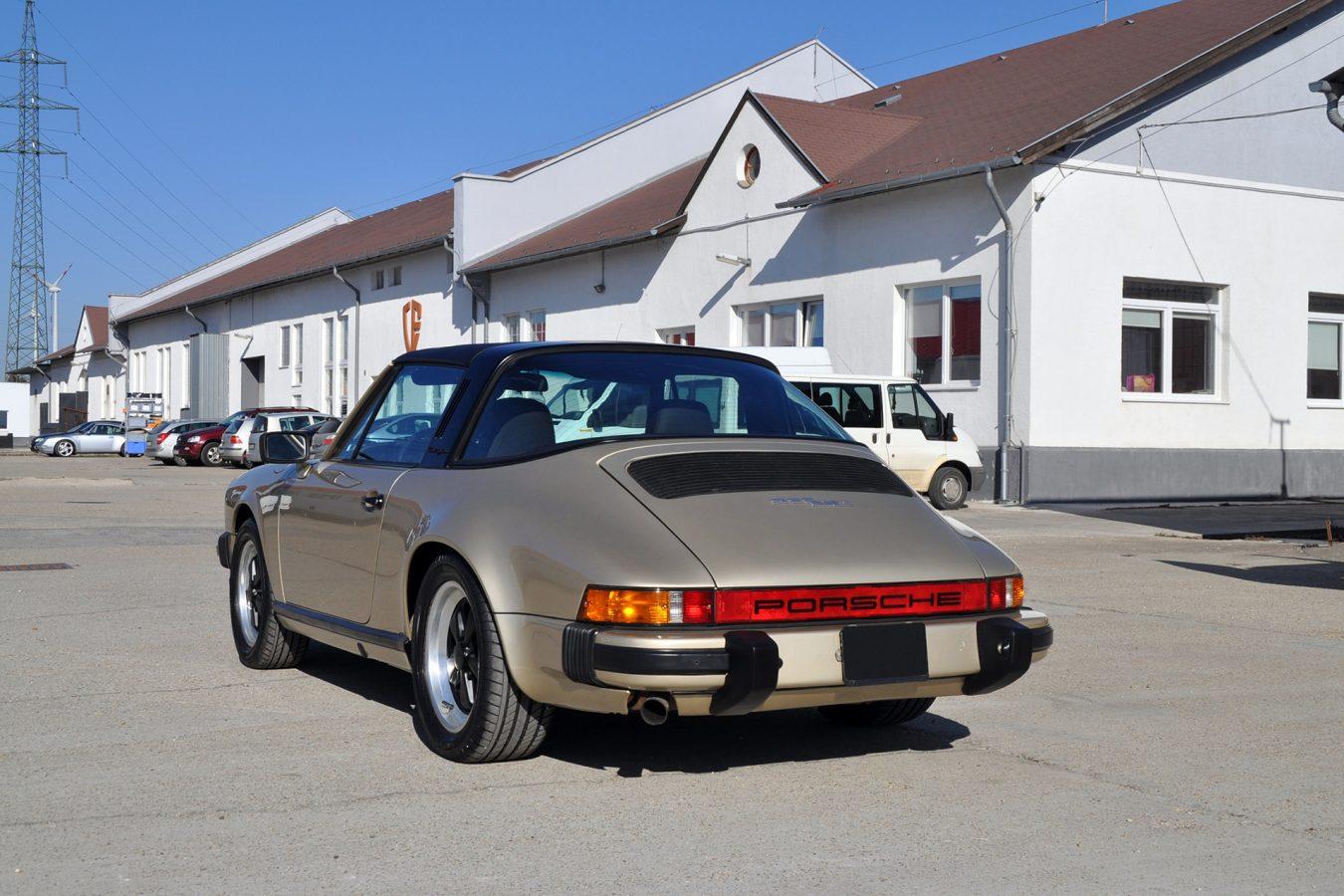 Hellbronze Metallic Porsche 4