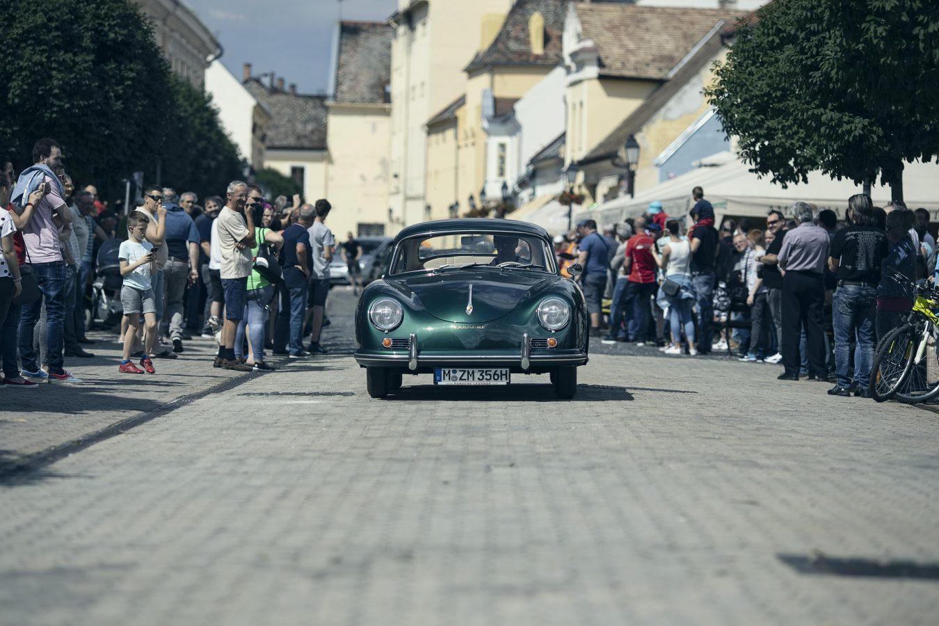 Porsche 356A in lagogrün