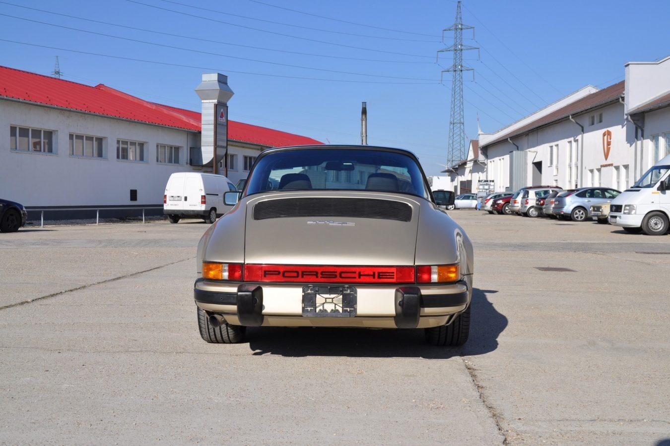 Youngtimer Porsche in Hellbronze Metallic 4
