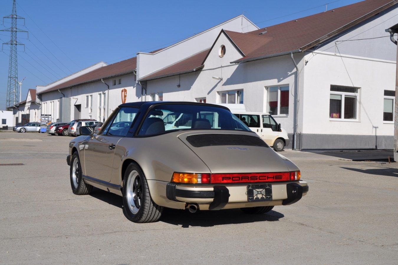 Youngtimer Porsche in Hellbronze Metallic 5