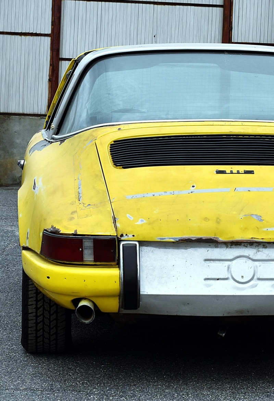 Porsche 911S Metallicblauer Targa