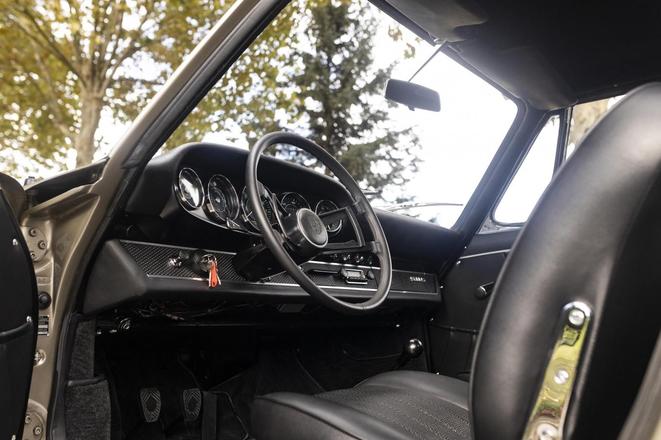 Mittelgrau-metallic 911STW aus 1967