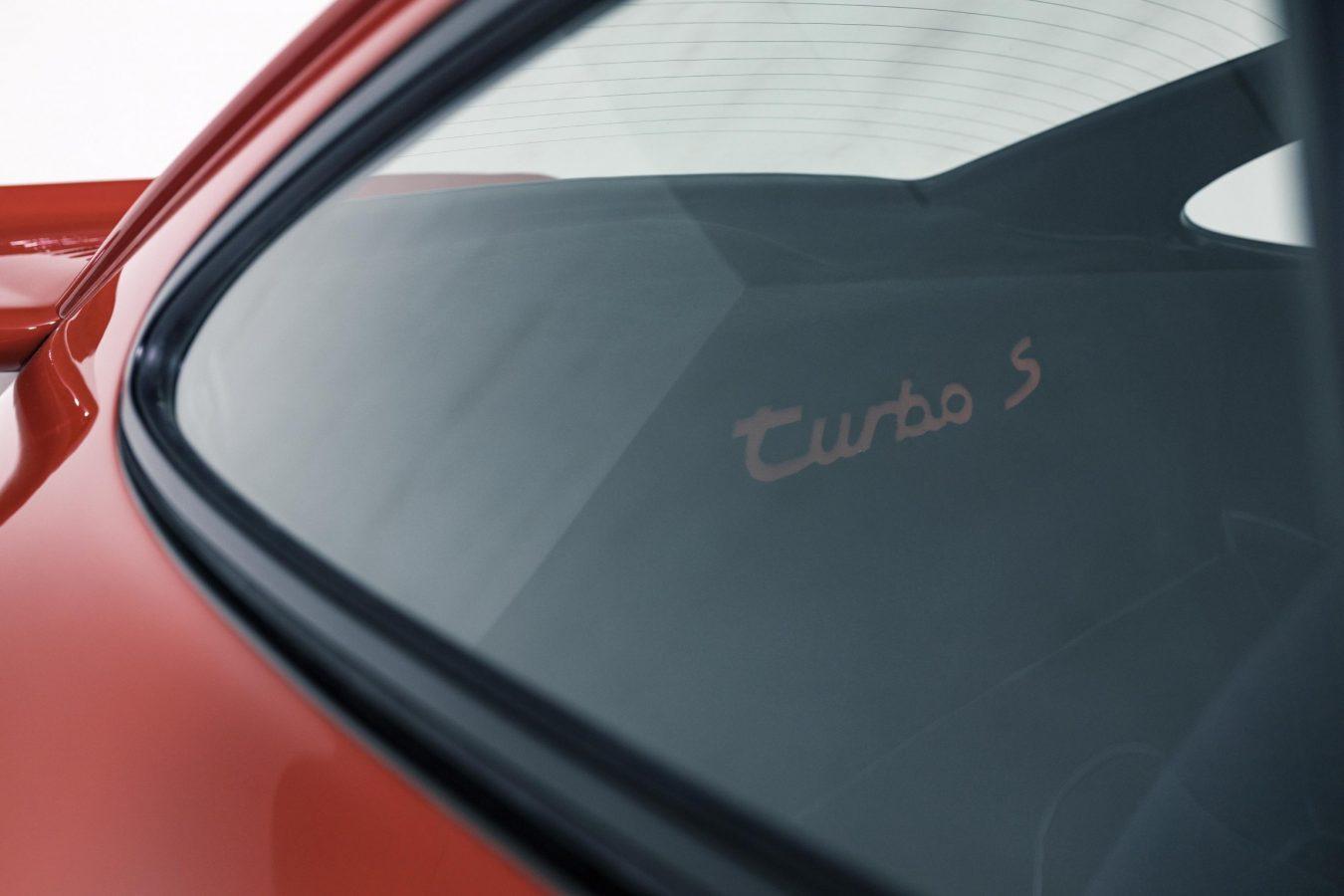 Porsche 911 Turbo S 17