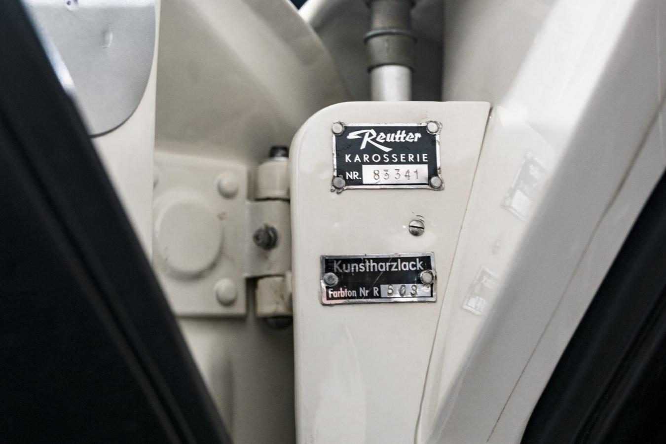 Porsche 356A Speedster 19