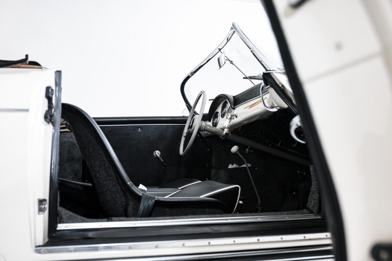 Porsche 356A Speedster 25