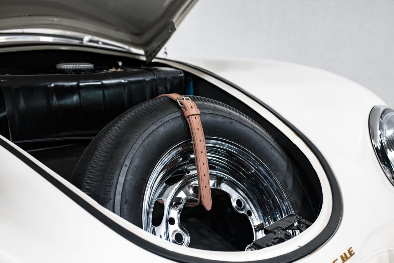 Porsche 356A Speedster 27
